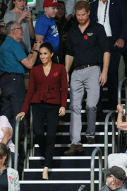 Meghan Markle paired her jacket with black skinny pants.