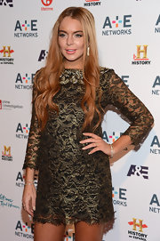 Lindsay Lohan added a shimmery touch of taupe to her long nails at a 2012 Upfront event.