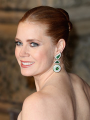 Amy Adams dolled up her lobes with a pair of whimsical gemstone earrings by David Webb.
