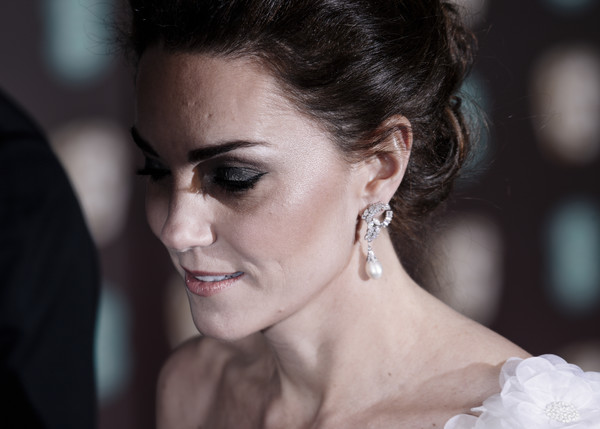 More Pics of Kate Middleton Loose Bun (8 of 39) - Kate Middleton Lookbook - StyleBistro