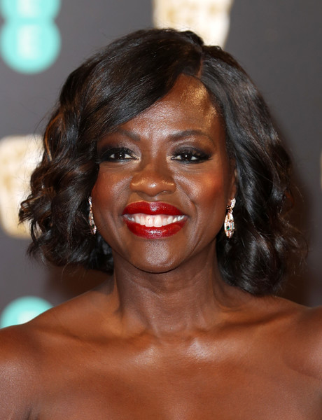 Viola Davis went super sweet with this curled-out bob at the 2017 BAFTAs.