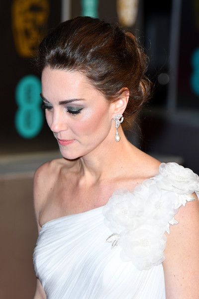 More Pics of Kate Middleton Loose Bun (31 of 39) - Kate Middleton Lookbook - StyleBistro