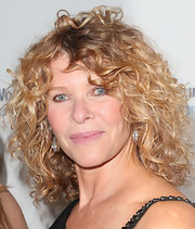 Kate Capshaw's light pink lip color kept her beauty look natural and fresh looking.