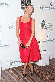 Julianne Hough chose a simple but chic evening look with this red dress that featured ruching on the side.