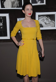 Emily Blunt attended a private dinner in NYC wearing a pair of 18-carat gold champagne and white diamond stud earrings.