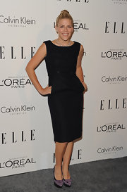 Busy Phillips paired her black sheath dress with lavender loafer-inspired platform pumps.