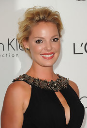 Katherine Heigl's short haircut looked super sexy with lots of volume and curls at the 'Elle' 18th Annual Women in Hollywood Tribute.