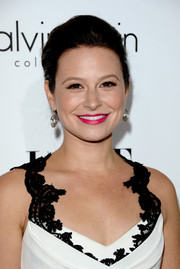 Katie Lowes kept it classic with this elegant chignon at the Elle Women in Hollywood celebration.