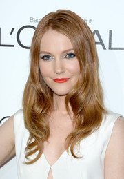 Darby Stanchfield made us swoon with this oh-so-lovely wavy 'do at the Elle Women in Hollywood celebration.