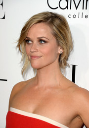 Reese Witherspoon looked breathtaking with this messy-glam chignon at the Elle Women in Hollywood celebration.