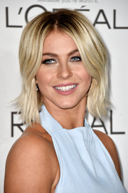 Julianne Hough looked hip with her center-parted layered razor cut at the Elle Women in Hollywood event.