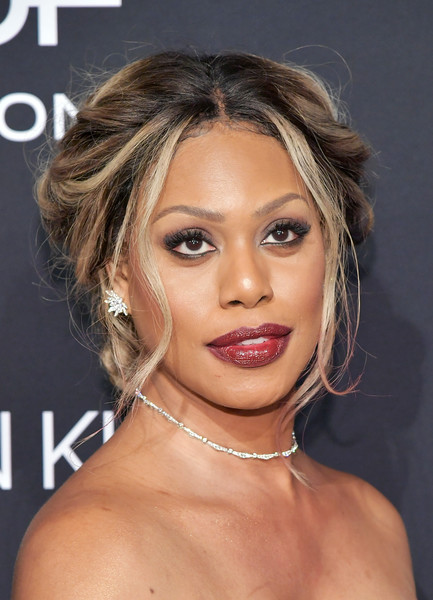 Laverne Cox rocked a messy Victorian-inspired updo at the 2018 Elle Women in Hollywood celebration.