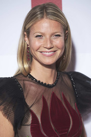 Gwyneth Paltrow opted for a minimally styled straight 'do with an off-center part when she attended the Elle 30th anniversary party.