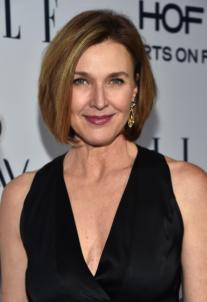 More Pics of Brenda Strong Bob (4 of 5) - Brenda Strong Lookbook - StyleBistro [elle,olay,red carpet,hair,face,hairstyle,blond,eyebrow,chin,little black dress,dress,shoulder,premiere,sunset tower,west hollywood,california,6th annual women in television dinner,brenda strong,hearts on fire diamonds]