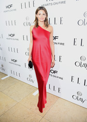 Stana Katic arrived at ELLE's Annual Women in Television Celebration wearing a stunning silky red gown.