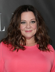 Melissa McCarthy hit the Elle Women in Comedy event wearing messy-cute waves.