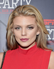AnnaLynne McCord wore a stylish side-parted 'do when she attended ESPN The Party.
