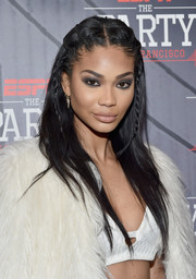 Chanel Iman balanced out her heavy eye makeup with a subtle lip.
