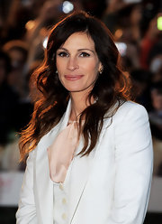 Julia Roberts was all smiles as she showed off her radiant locks while hitting the premiere of 'Eat, Pray, Love'.