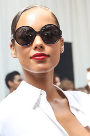 Alicia Keys looked super-fierce with a rock-and-roll-worthy red lip.