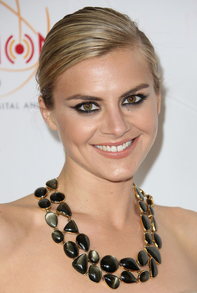 Eliza Coupe Retro Eyes