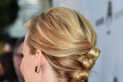 Elizabeth Banks Hair Knots
