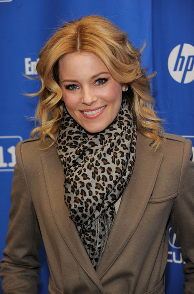 Elizabeth Banks Patterned Scarf