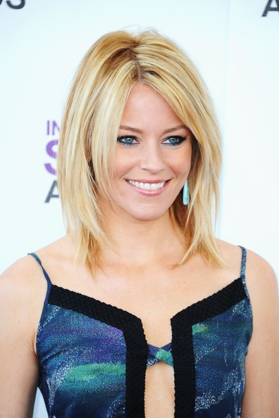 Elizabeth Banks Medium Layered Cut