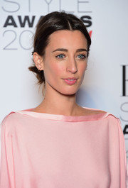 Laura Jackson wore her hair with a center part and knotted at the nape during the Elle Style Awards.