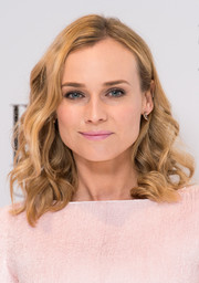 Diane Kruger looked gorgeous with her mid-length curls at the Elle Style Awards.