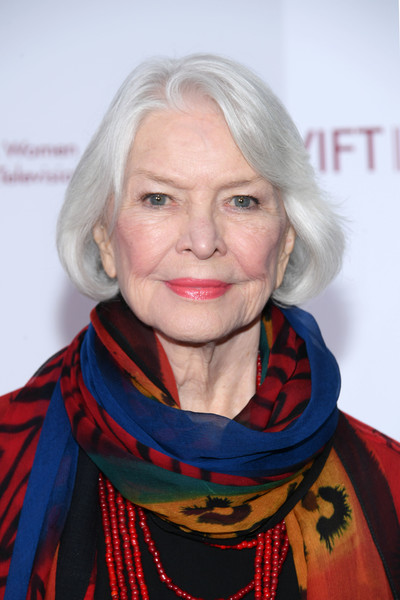 Ellen Burstyn Bob [muse awards,human hair color,chin,blond,hairstyle,neck,scarf,smile,senior citizen,portrait,hair coloring,the new york hilton midtown,new york city,ellen burstyn]
