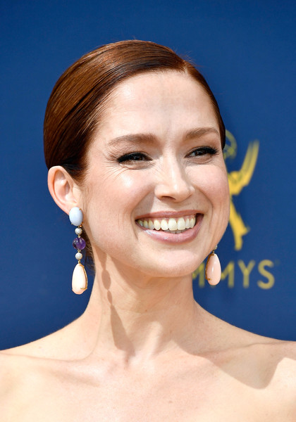 Ellie Kemper Classic Bun [face,hair,eyebrow,skin,hairstyle,chin,facial expression,smile,forehead,cheek,arrivals,ellie kemper,emmy awards,70th emmy awards,microsoft theater,los angeles,california]