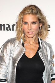 Elsa Pataky rocked a messy wavy bob during Denim Day in Barcelona.