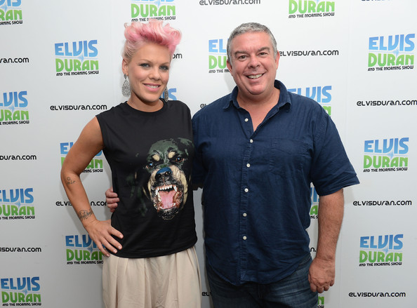 Elvis Duran Clothes