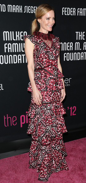 More Pics of Leslie Mann Print Dress (1 of 6) - Leslie Mann Lookbook - StyleBistro