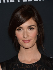 Paz Vega went for a romantic look with this loose ponytail when she attended the Pink Party.