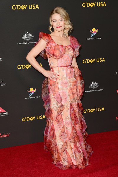 Emilie De Ravin Print Dress [red carpet,clothing,carpet,dress,fashion model,hairstyle,shoulder,premiere,flooring,fashion,arrivals,emilie de ravin,los angeles,usa,california,intercontinental los angeles downtown,black tie gala]