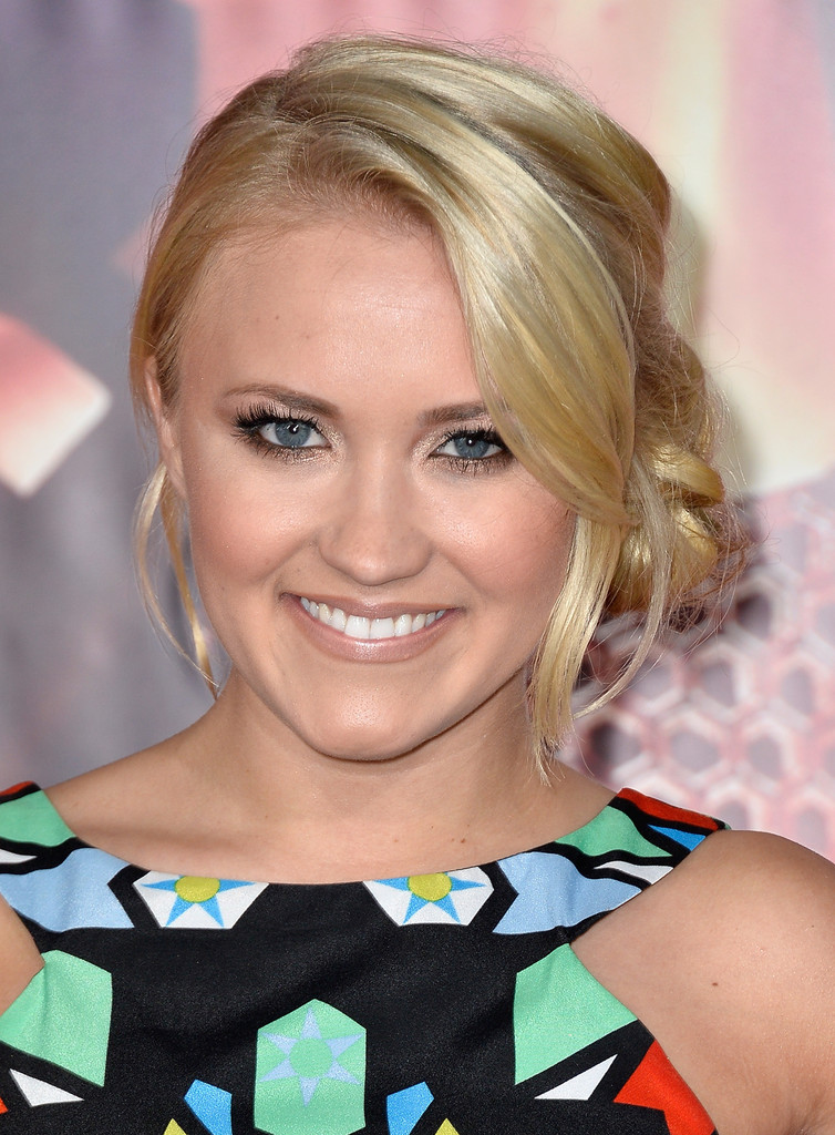 Pinned up Ringlets Updo Hairstyle Emily Osment Updos Pinned up
