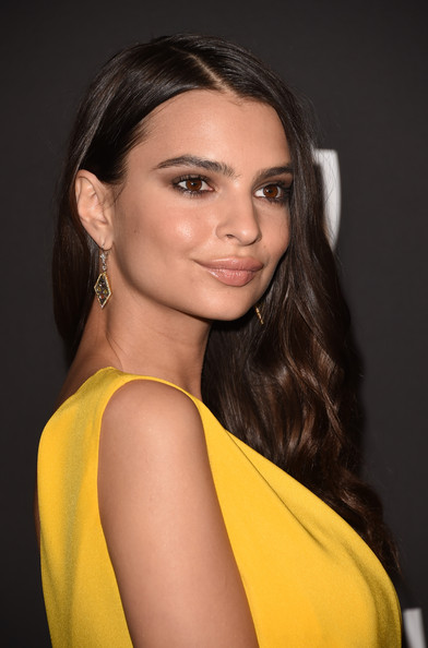 Emily Ratajkowski Geommetric Earrings [hair,face,hairstyle,eyebrow,yellow,beauty,fashion model,long hair,chin,lip,emily ratajkowski,post-party - arrivals,beverly hills,california,the beverly hilton hotel,instyle,warner bros. 72nd annual golden globe awards,warner bros. 72nd annual golden globe awards post-party]