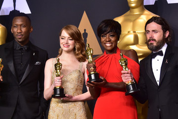 Emma Stone Viola Davis 89th Annual Academy Awards - Press Room