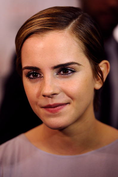 Emma Watson Side Parted Straight Cut
