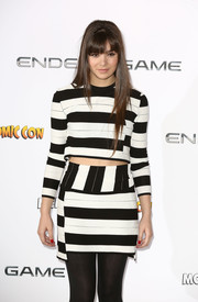 Hailee Steinfeld donned a black-and-white striped Thakoon Addition mini skirt and a matching crop-top for the 'Ender's Game' photocall in London.