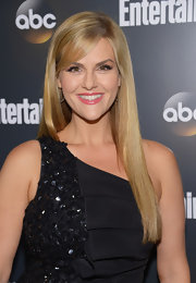 Sara Rue wore her lightened locks straight with long side-swept bangs while attending the ABC Upfront VIP party.