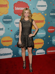 Fiona Gubelmann stuck to a fit-and-flare Gothic-patterned frock.