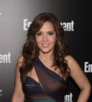 Maria Canals-Barrera oozed femininity with her long curls at the Entertainment Weekly SAG Awards nominee celebration.