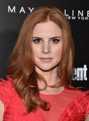 Sarah Rafferty styled her hair with bouncy, wavy ends for the Entertainment Weekly celebration honoring the SAG nominees.