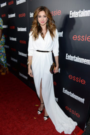 Noureen DeWulf looked snazzy in a white evening dress with a long train during the Entertainment Weekly SAG nominees celebration.