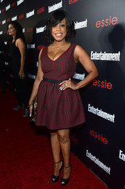 Niecy Nash chose a cute checkered fit-and-flare dress for the Entertainment Weekly SAG nominees celebration.