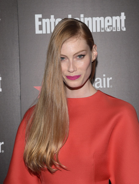 Alyssa Sutherland fixed her super-long locks into an elegant side sweep for the Entertainment Weekly SAG Awards nominee celebration.