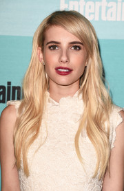 For her lips, Emma Roberts chose a sexy red hue.